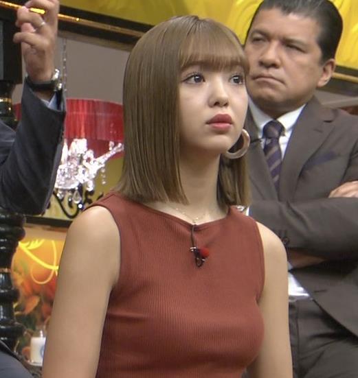 藤田ニコル エッチなニットおっぱいキャプ・エロ画像2
