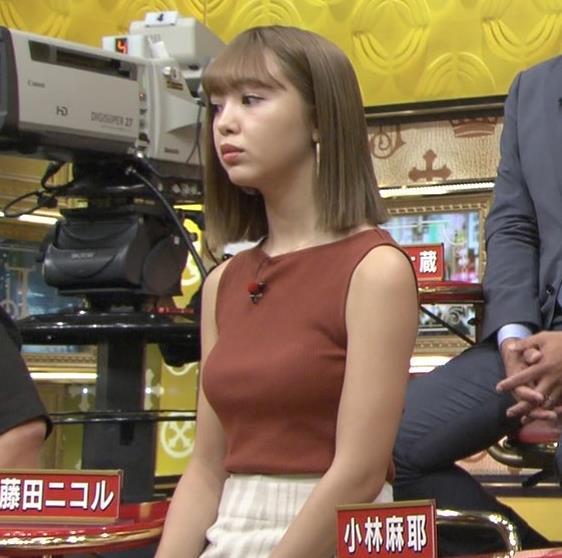 藤田ニコル エッチなニットおっぱいキャプ・エロ画像6