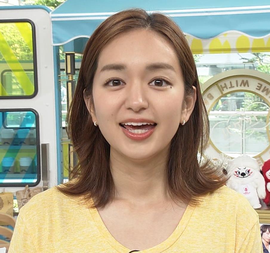後藤晴菜アナ Tシャツおっぱいを突き出してエロいことにキャプ・エロ画像