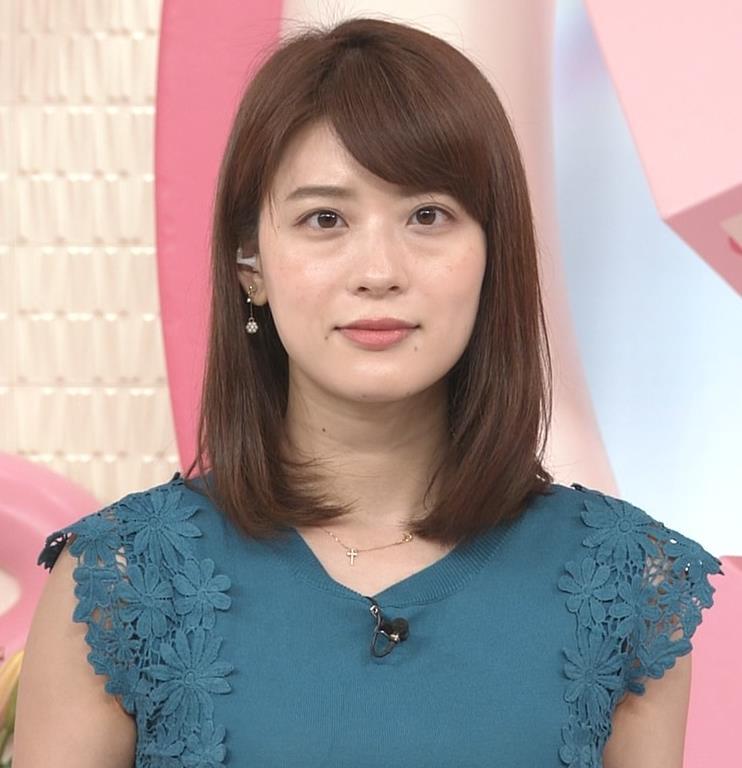 郡司恭子アナ 胸のふくらみキャプ・エロ画像