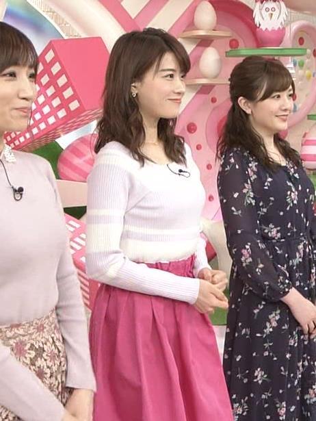 郡司恭子アナ ニット乳を斜めからキャプ・エロ画像