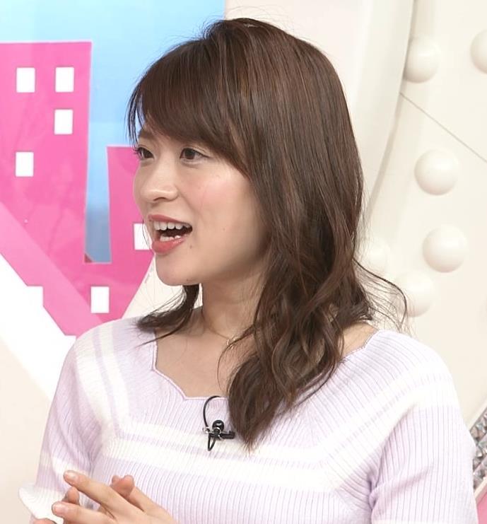郡司恭子アナ ニット乳を斜めからキャプ・エロ画像5