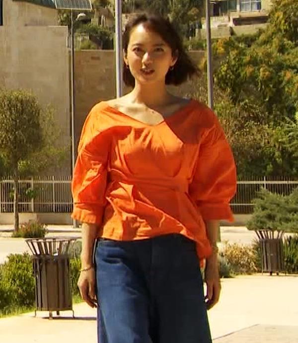 鉢嶺杏奈 ウェットスーツへの着替えシーンキャプ・エロ画像11