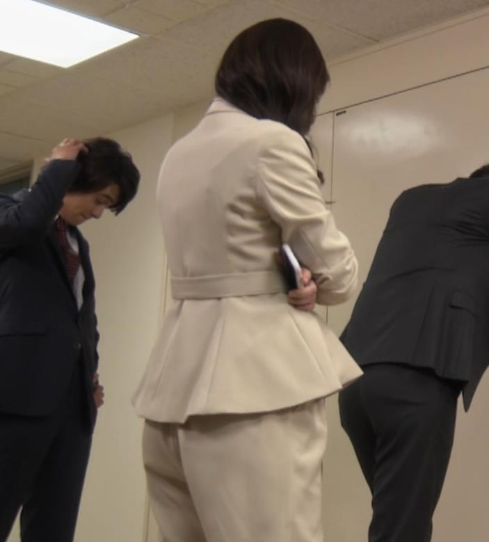 長谷川京子 ちょっとおっぱいがエロい服キャプ・エロ画像9