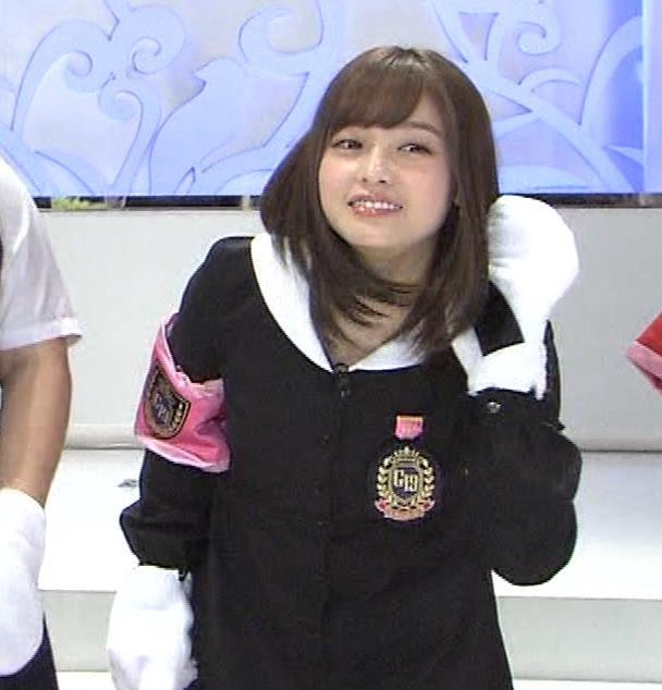 橋本環奈 ミニスカ太ももがしゃがんで…。キャプ・エロ画像10