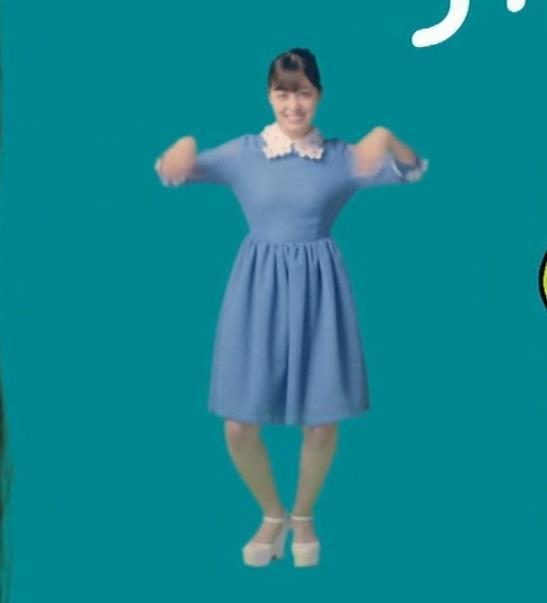 橋本環奈 CMでの乳揺れGIF動画キャプ・エロ画像5