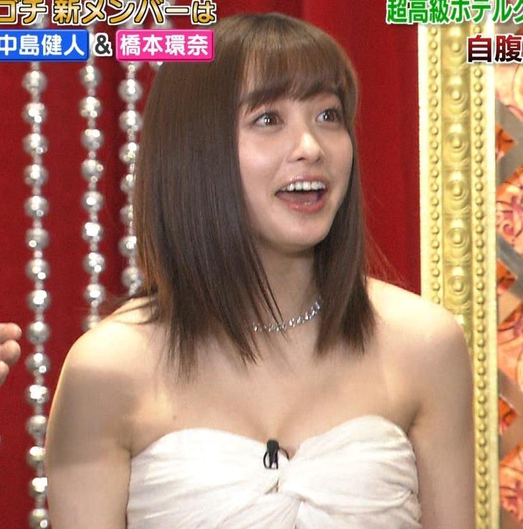 橋本環奈 過激露出ドレスで胸の谷間を見せてくれる(ゴチ19新メンバー)キャプ・エロ画像12