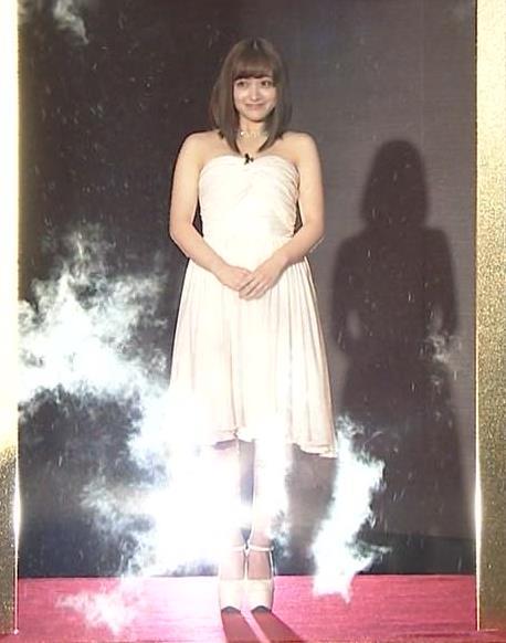 橋本環奈 過激露出ドレスで胸の谷間を見せてくれる(ゴチ19新メンバー)キャプ・エロ画像13
