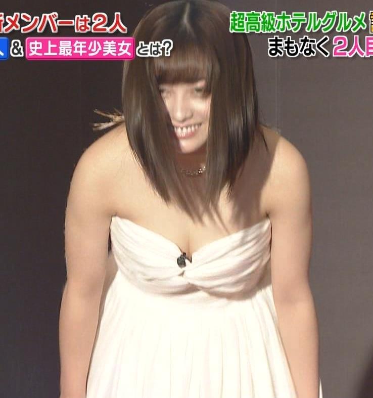 橋本環奈 過激露出ドレスで胸の谷間を見せてくれる(ゴチ19新メンバー)キャプ・エロ画像14
