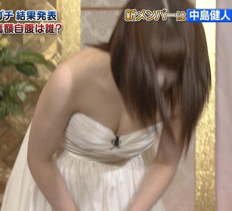 橋本環奈 過激露出ドレスで胸の谷間を見せてくれる(ゴチ19新メンバー)キャプ・エロ画像15
