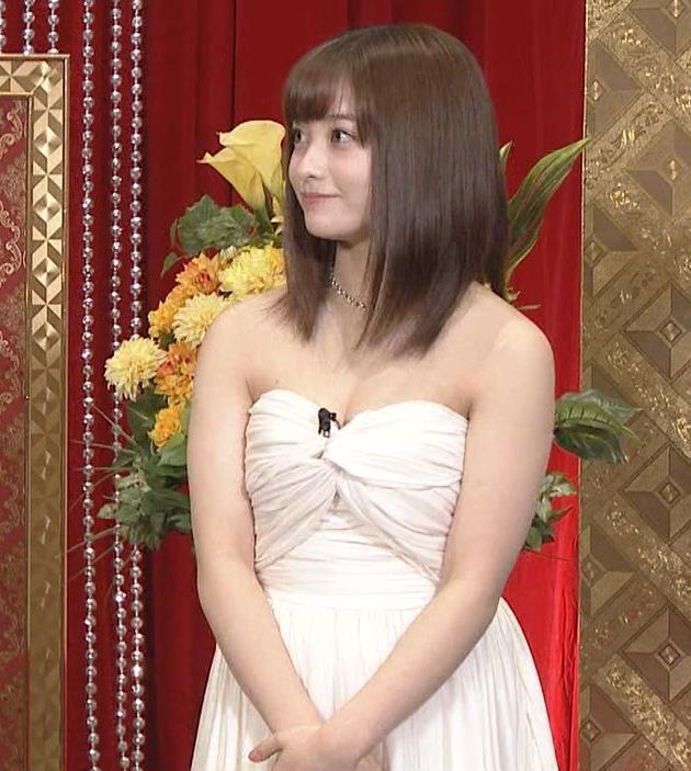 橋本環奈 過激露出ドレスで胸の谷間を見せてくれる(ゴチ19新メンバー)キャプ・エロ画像3