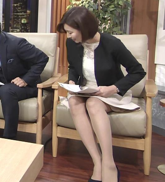 畑下由佳アナ ミニスカ美脚&▼ゾーンキャプ・エロ画像4