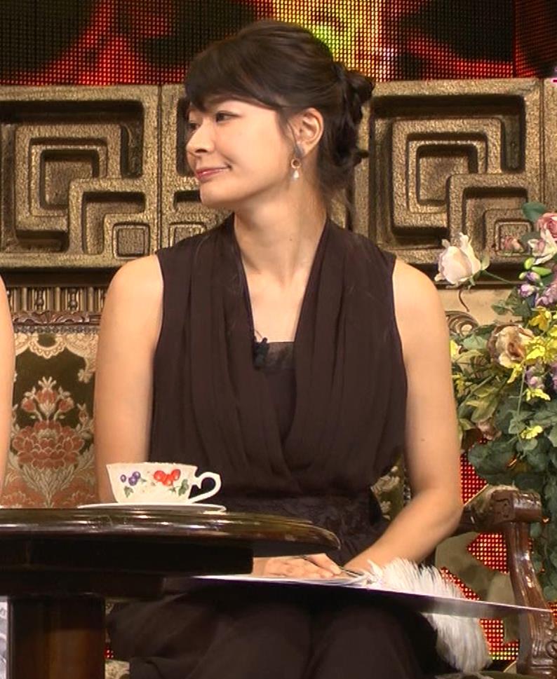 八田亜矢子 おっぱいパツパツや太もも等キャプ・エロ画像10