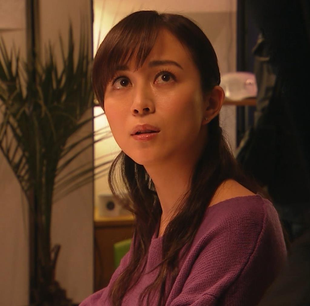 比嘉愛未 看護師役(ナース服) 「DOCTORS 最強の名医」キャプ・エロ画像11