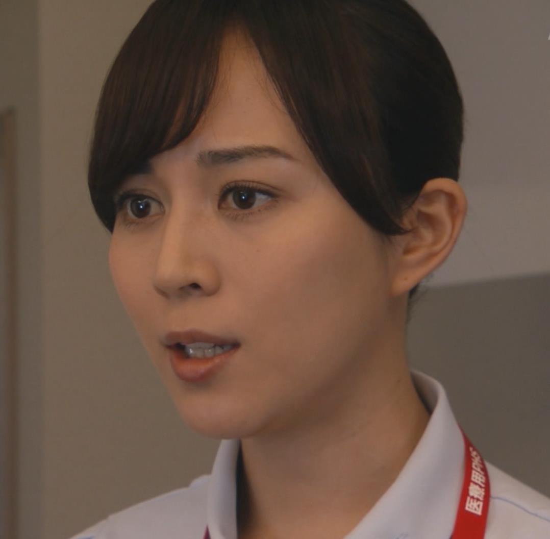 比嘉愛未 看護師役(ナース服) 「DOCTORS 最強の名医」キャプ・エロ画像14