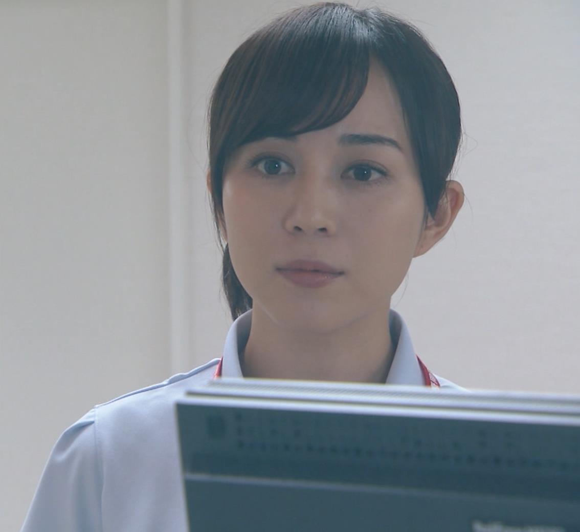 比嘉愛未 看護師役(ナース服) 「DOCTORS 最強の名医」キャプ・エロ画像10