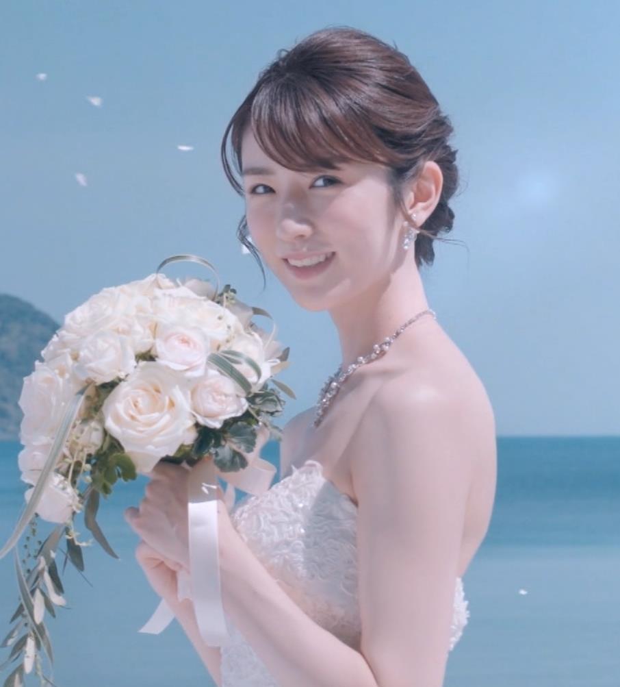 樋口柚子 露出の多いウェディングドレスキャプ・エロ画像6