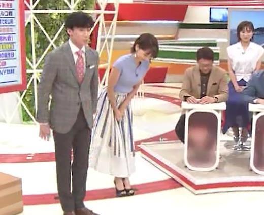 ヒロド歩美アナ 微妙なニット横乳キャプ・エロ画像12