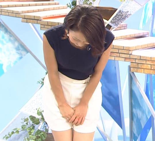 ヒロド歩美アナ 肌の露出が多いけどさわやかな服キャプ・エロ画像2
