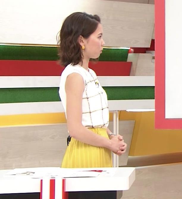 ヒロド歩美アナ ノースリーブ横乳キャプ・エロ画像9