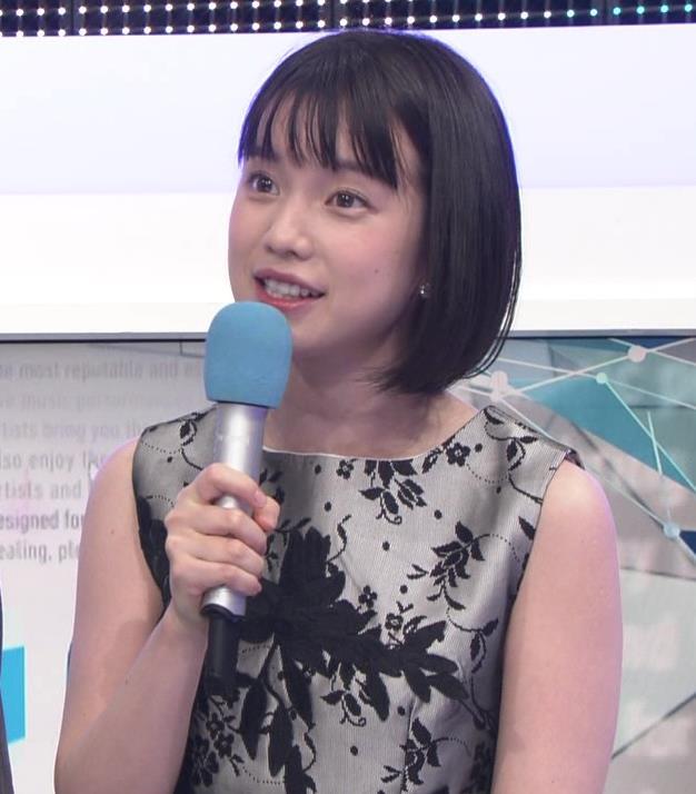 弘中綾香アナ 意外と強そうな二の腕キャプ・エロ画像13