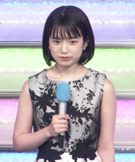 弘中綾香アナ 意外と強そうな二の腕キャプ・エロ画像4