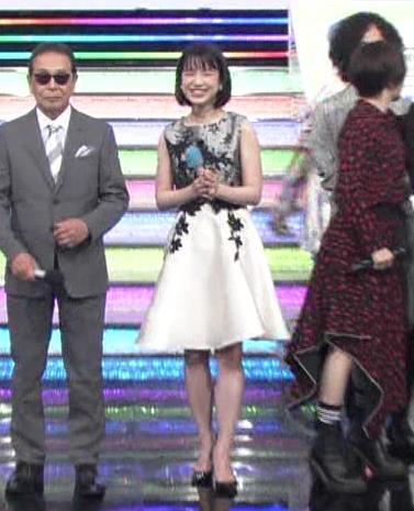 弘中綾香アナ 意外と強そうな二の腕キャプ・エロ画像7