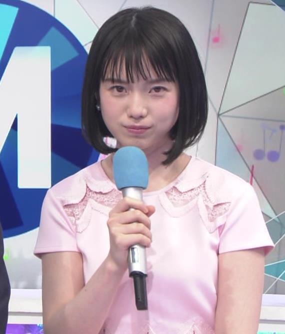 弘中綾香アナ ロリ系女子アナのかわいいワンピースキャプ・エロ画像2