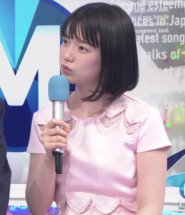 弘中綾香アナ ロリ系女子アナのかわいいワンピースキャプ・エロ画像6