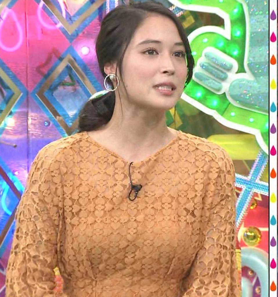 広瀬アリス アメトーーク!ではしゃいでパンツ見えそうキャプ・エロ画像4