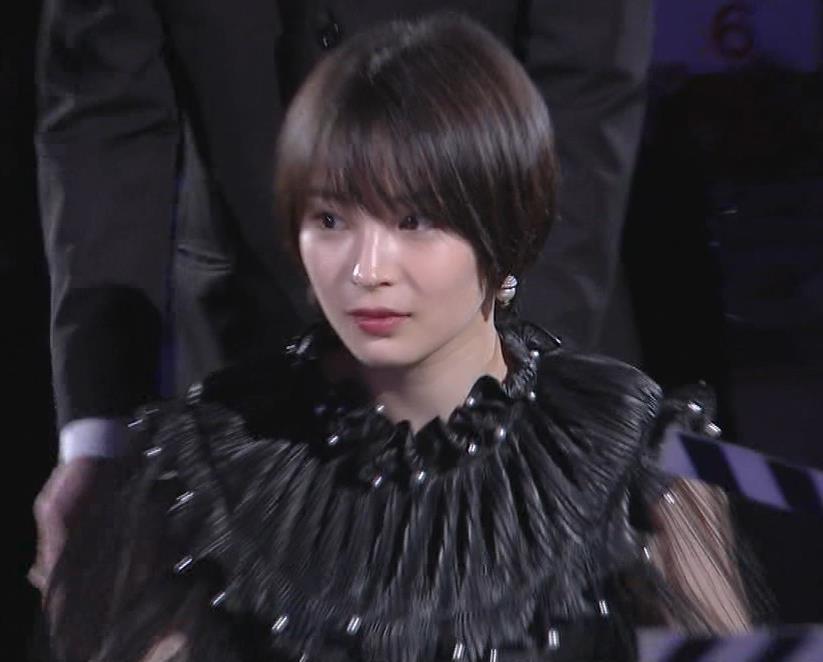 広瀬すず 大人の色気も出てきた日本アカデミー賞授賞式キャプ・エロ画像2