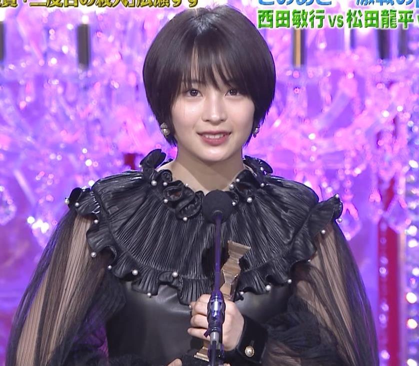 広瀬すず 大人の色気も出てきた日本アカデミー賞授賞式キャプ・エロ画像4