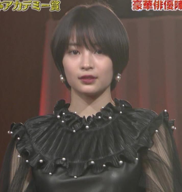 広瀬すず 大人の色気も出てきた日本アカデミー賞授賞式キャプ・エロ画像5