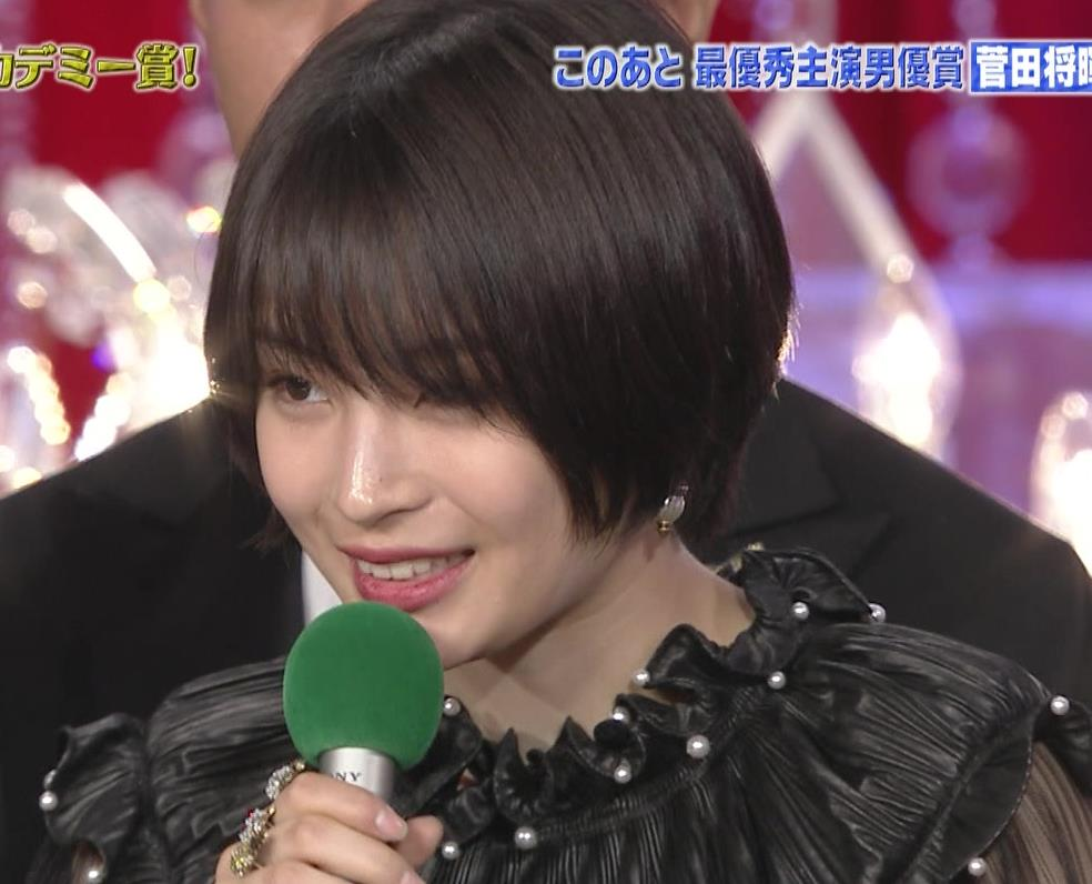 広瀬すず 大人の色気も出てきた日本アカデミー賞授賞式キャプ・エロ画像8
