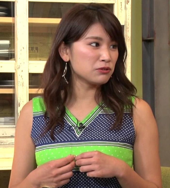 久松郁実 水着よりエロい突き出た着衣おっぱいキャプ・エロ画像3