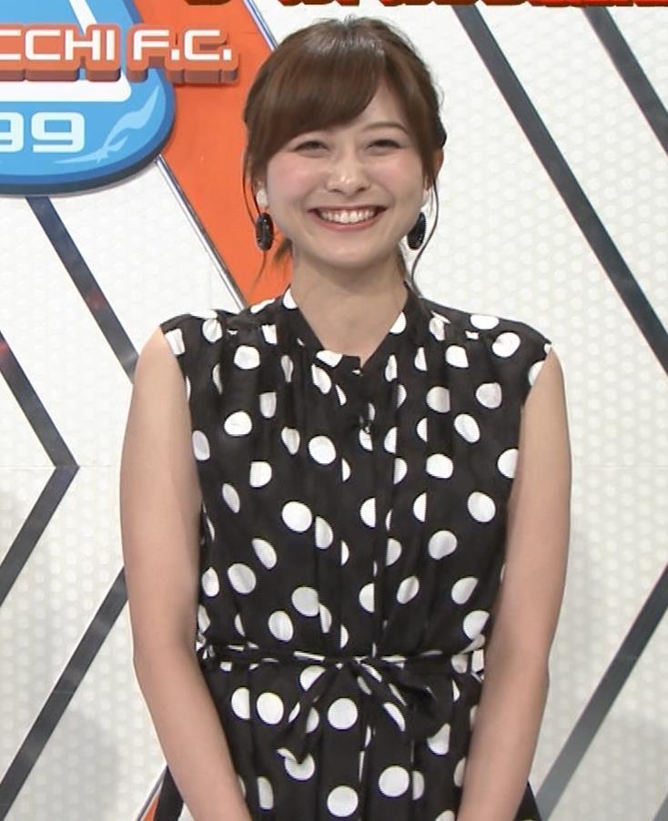 久冨慶子アナ 水玉のノースリーブワンピースキャプ・エロ画像8