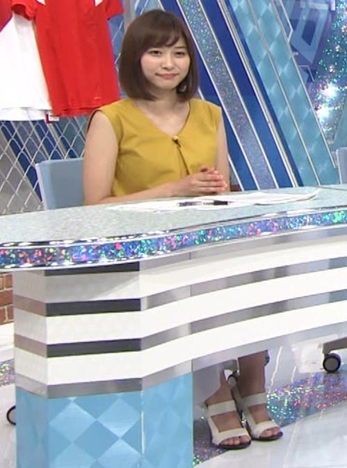 久冨慶子アナ ふっくら二の腕キャプ・エロ画像2