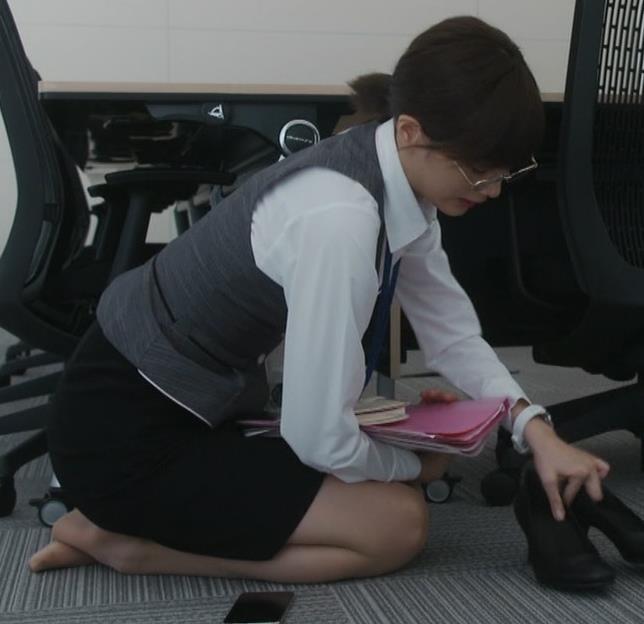 本田翼 新ドラマの格闘シーンがエロいと話題に!キャプ・エロ画像22