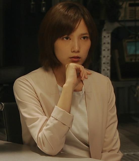 本田翼 Tシャツパッツンおっぱいキャプ・エロ画像3