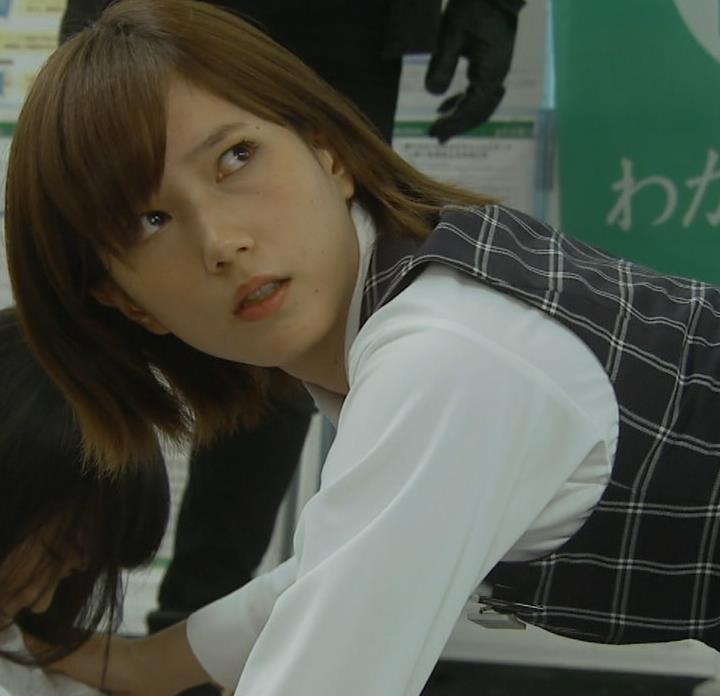 本田翼 パンツが見えそうで見えない格闘シーンキャプ・エロ画像5