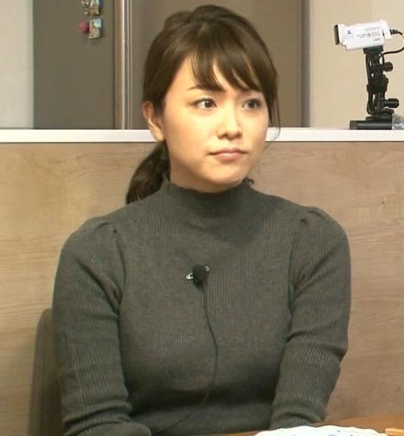 本田朋子アナ 人妻ニット横乳キャプ・エロ画像2