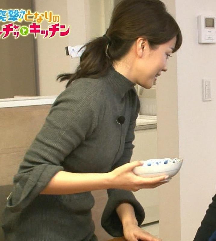 本田朋子アナ 人妻ニット横乳キャプ・エロ画像4