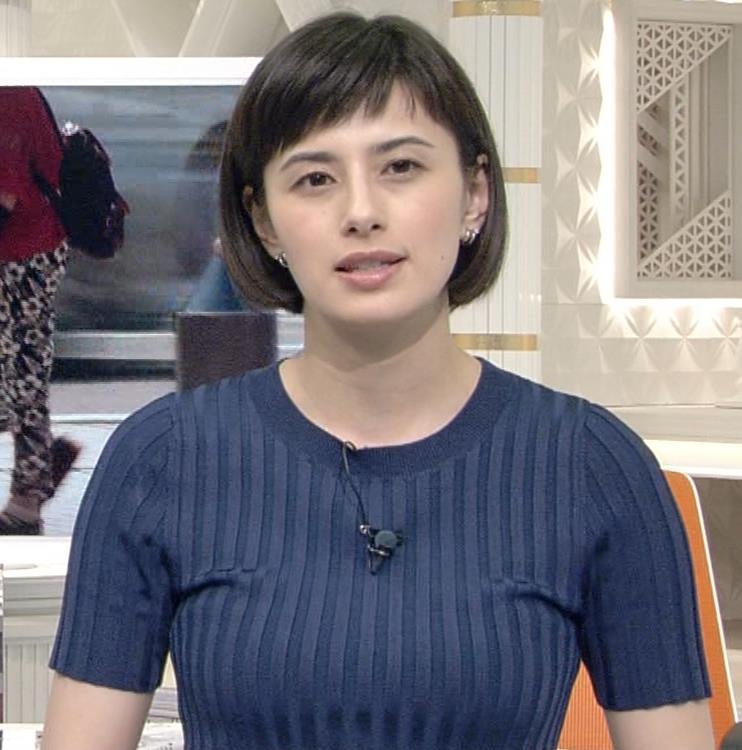 ホラン千秋 ピチピチTシャツで巨乳が強調されるキャプ・エロ画像12