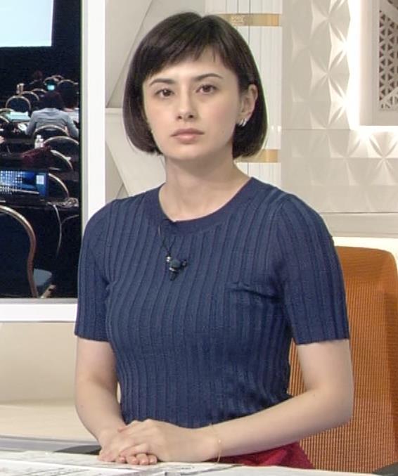 ホラン千秋 ピチピチTシャツで巨乳が強調されるキャプ・エロ画像13