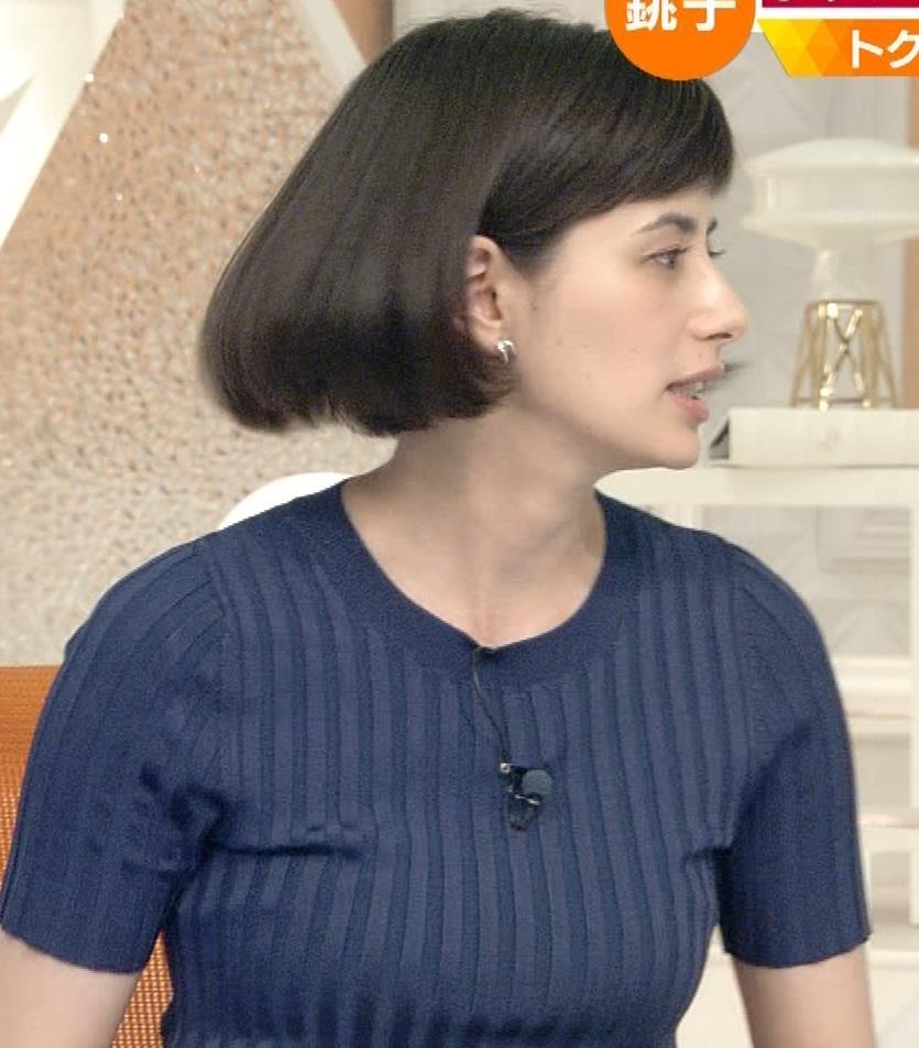 ホラン千秋 ピチピチTシャツで巨乳が強調されるキャプ・エロ画像4