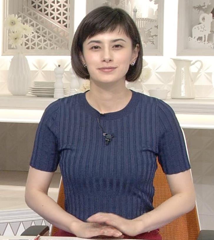 ホラン千秋 ピチピチTシャツで巨乳が強調されるキャプ・エロ画像9