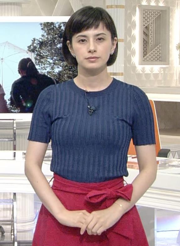 ホラン千秋 ピチピチTシャツで巨乳が強調されるキャプ・エロ画像10