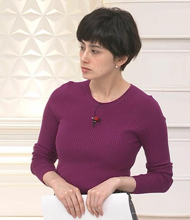 ホラン千秋 ニット巨乳がエロ過ぎキャプ・エロ画像6