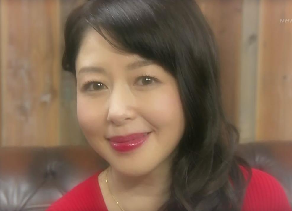 堀内敬子 胸の谷間キャプ・エロ画像14