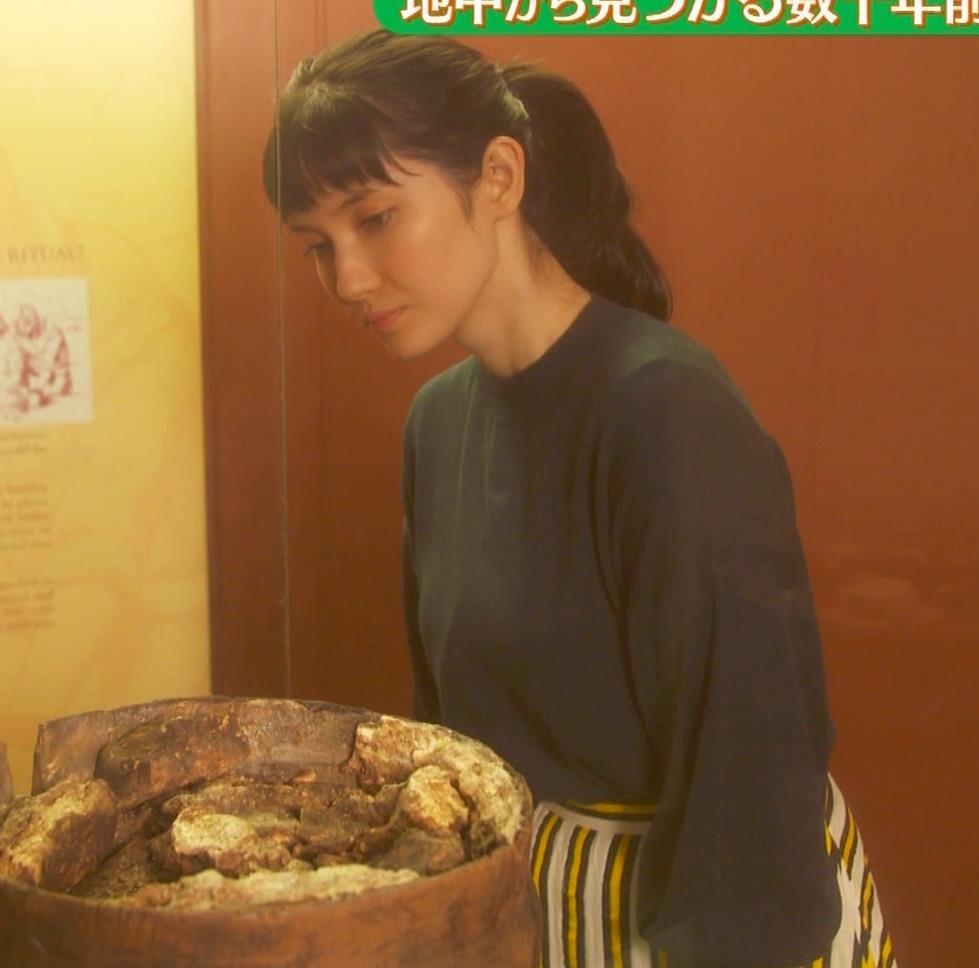 市川紗椰 スター・ウォーズのコスプレで巨乳が目立つキャプ・エロ画像10